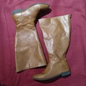 8W American Eagle Brown Boots